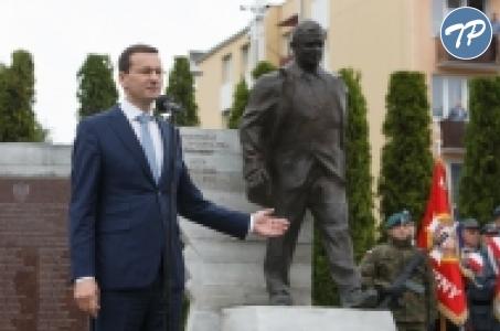 Dla śp. prezydenta Lecha Kaczyńskiego najważniejsze były trzy podstawowe wartości: sprawiedliwość, państwo i Polska .