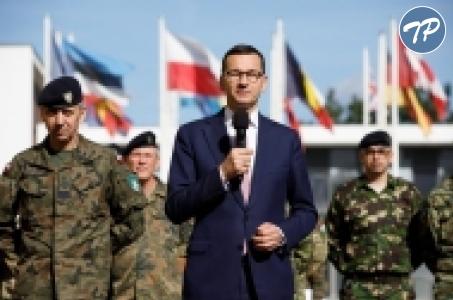Premier Mateusz Morawiecki w Kwaterze Głównej Wielonarodowego Korpusu Północno-Wschodniego.