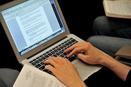 Unijny akt ws. cyberbezpieczeństwa w odpowiedzi na zagrożenia ze strony Chin.