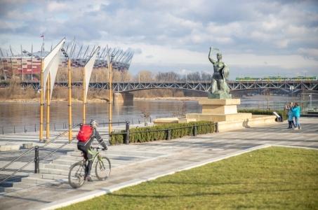 Warszawa. Bulwary przy pomniku Syreny otwarte.