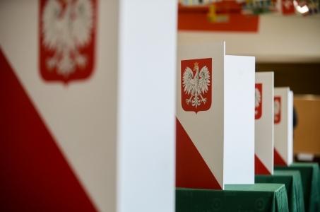 PiS wygrało w 2020 gminach, KE - w 457; w Przytułach 89-proc. poparcie dla PiS.