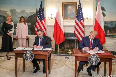 Wspólna Deklaracja Prezydentów o Współpracy Obronnej w zakresie obecności sił zbrojnych USA na terytorium RP.