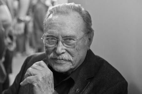 Zmarł Emil Karewicz.