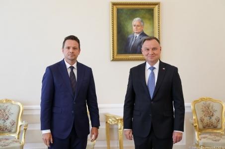 W Pałacu Prezydenckim Andrzej Duda spotkał się z Rafałem Trzaskowskim.