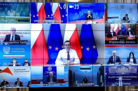 Rząd pod kierownictwem Mateusza Morawieckiego funkcjonuje normalnie.