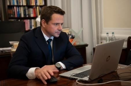Rafał Trzaskowski:  Noście maski, zasłaniajcie usta i nos, dezynfekujcie ręce i zachowujcie dystans społeczny!