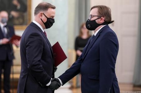 Paweł Szrot został powołany przez Prezydenta Andrzej Dudę na stanowisko Sekretarza Stanu w Kancelarii Prezydenta RP.