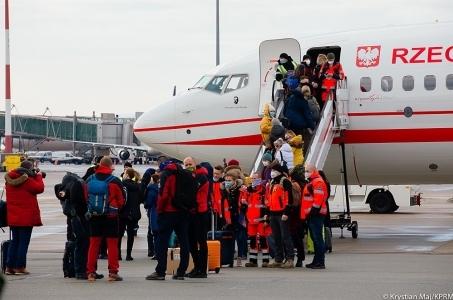 Blisko 200 polskich medyków, policjantów i strażaków wesprze Słowację przy testowaniu na Covid-19.
